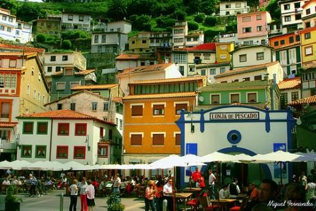 2722377025 71e8514b48 460x307 Cudillero, pueblo asturiano con anfiteatro