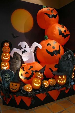 400px Kobe Mosaic15s3072 306x460 Halloween es una fiesta de origen irlandés
