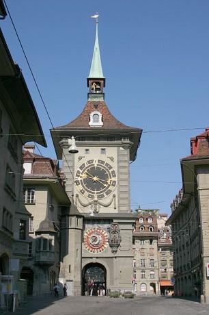 400px Zytglogge 01 306x460 La Zytgloggeturm o Torre del Reloj de Berna