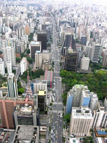 450px Avenida Paulista Aérea 345x460 La avenida Paulista, centro económico