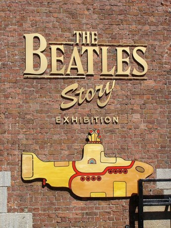 450px The Beatles Story  345x460 Rememorando a los Beatles