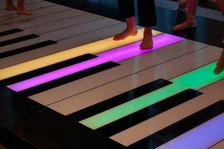 4725751851 72bec30d32 460x306 La juguetería Fao Schwarz y su piano gigante
