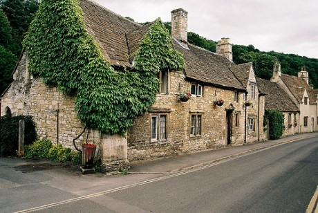 5099352027 f76f97993e 460x308 Castle Combe, la aldea más bella de Inglaterra