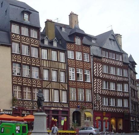 614px Rennes old houses DSC089181 460x449 Rennes, desconocida francesa