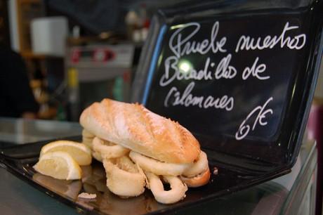 7555246848 301f89f2fa 460x306 Bocadillo de calamares, típico de Madrid