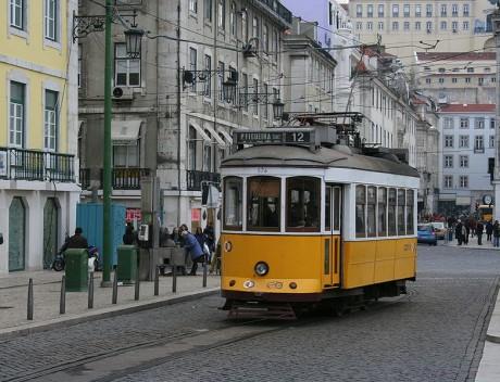 782px Tranvía de Lisboa 460x352 Súbete al tranvia 28 de Lisboa