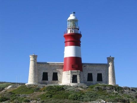 800px AgulhasLighthouse 460x345 El Faro del Cabo de las Agujas