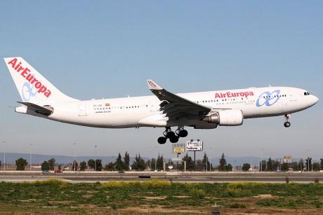 800px Airbus A330 202 Air Europa EC JQQ 460x307 Compañías aéreas más puntuales