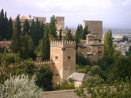 800px Alhambradesdegeneralife 460x345 Las Maravillas del Mundo según los españoles