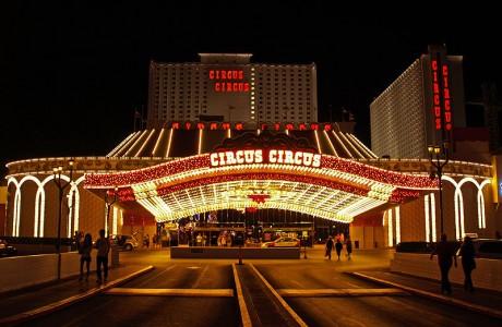 800px Circus Circus Las Vegas   001 460x300 Hotel Circus Circus