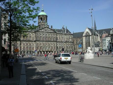 800px Dam Amsterdam 2005 460x345 La Plaza Dam, la más viva de Ámsterdam
