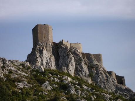 800px France Chateau de Queribus Vue densemble 2005 08 05 460x345 La Ruta de los Castillos Cátaros