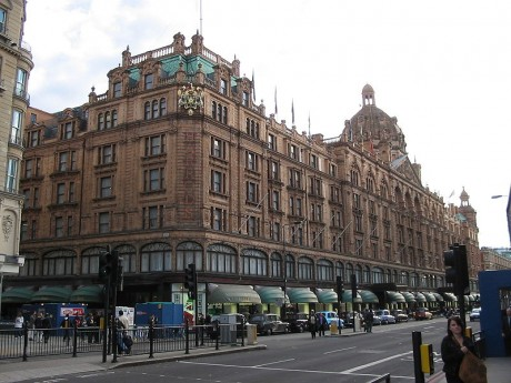 800px HarrodsDay 460x345 Compras londinenses en Harrods