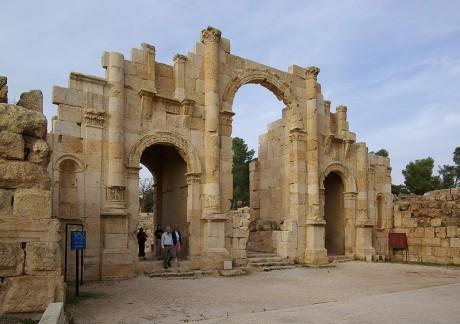 800px Jerash BW 7 460x324 Jerash, ruinas romanas en Jordania
