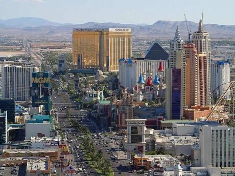 800px Las Vegas strip 460x345 Las Vegas conmemora a la mafia