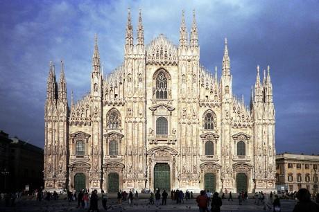 800px Milano duomodimilano01 460x306 Caminando por el tejado del Duomo de Milán