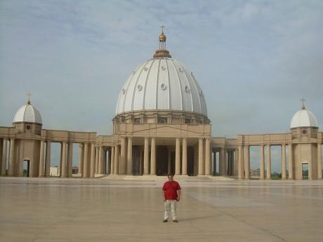 800px Notre Dame de la Paix 460x345 Réplica del Vaticano en Costa de Marfil