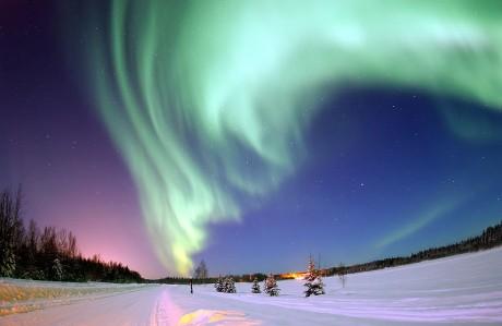 800px Polarlicht 2 460x299 La aurora boreal, un festival de colores