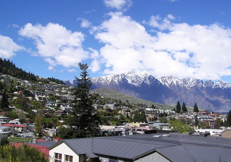 800px Queenstown  Remarkable Mountains 460x322 Queenstown, un pedacito de la Tierra Media en Nueva Zelanda