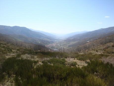 800px Valledeljerte2 460x345 Ruta en coche por el Valle del Jerte