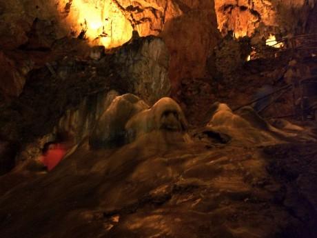 800px ValporqueroFantasma 460x345 Cueva de Valporquero, León