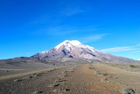 800px Volcán Chimborazo  El Taita Chimborazo  460x308 El Chimborazo, el volcán más alto de Ecuador
