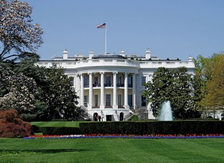 800px WhiteHouseSouthFacade 460x336 La Casa Blanca, el edificio más emblemático de Washington