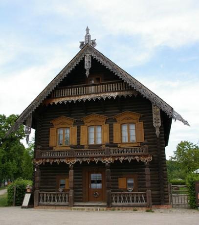 Alex 407x460 Alexandroka, barrio de cantores rusos en Potsdam