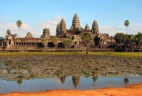 Angkor Wat 2 460x312 Angkor Wat, la morada oculta de los dioses hindues