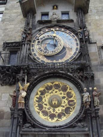 Astronomical Clock Detail 3 345x460 El fabuloso Reloj Astronómico de Praga