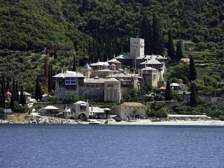 Athos 460x345 El Monte Athos, la montaña de los monasterios