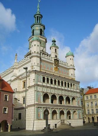 Ayuntamiento de Poznan 331x460 El Ayuntamiento de Poznań y sus leyendas