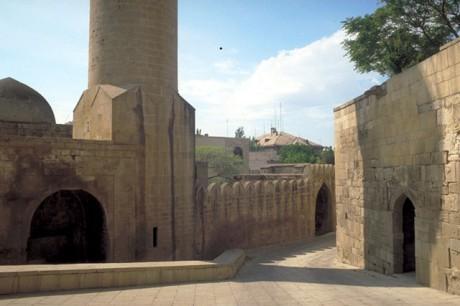 Baku Palacio 460x306 La ciudad amurallada de Baku