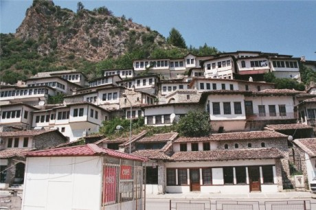 Berat 460x306 Berat, la ciudad de las mil ventanas