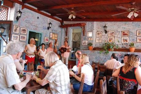 Bodeguita 460x308 La Bodeguita del Medio, restaurante de esencia cubana
