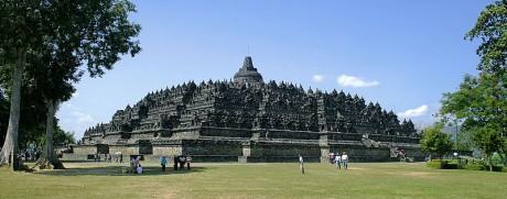Borobudur 460x181 Borobudur, el monumento budista más grande del mundo