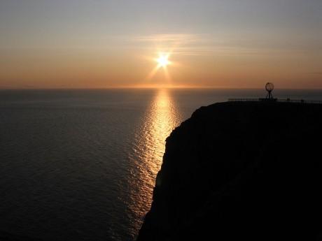 Cabo Norte con el Sol de Medianoche 460x345 Escandinavia, bella y salvaje