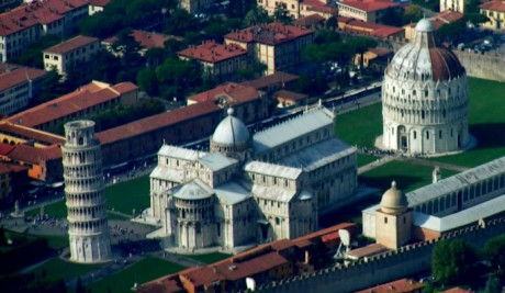 Campo dei Miracoli 460x267 La Piazza dei Miracoli, el corazón de Pisa