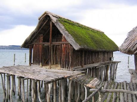 Casas palafíticas 460x345 Las casas prehistóricas de los Alpes