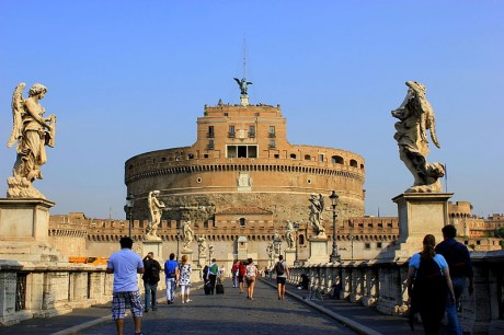 Castel SantAngelo 460x306 El Castillo de Sant'Angelo, el más peculiar de Roma