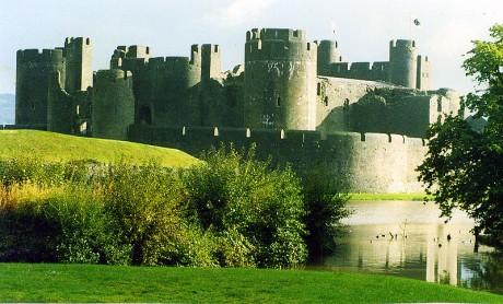 Castillo de Caerphilly Gales 460x278 Gales, el país de los monumentos de piedra