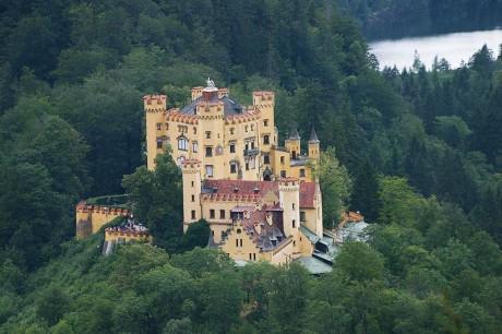 Castillo de Hohenschwangau 460x306 El Castillo de Hohenschwangau, el hermano mayor de Neuschwanstein