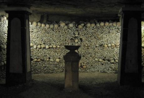 Catacombs 700px 460x313 ¿Quién descansa bajo París?