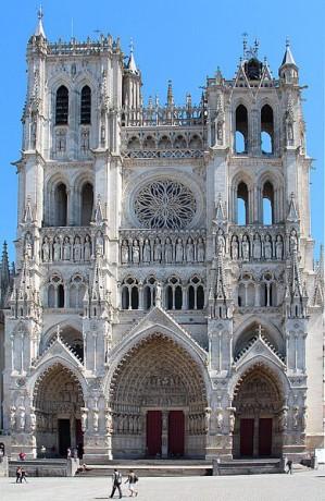 Catedral de Amiens 299x460 La gran Catedral de Amiens