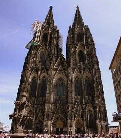 Catedral de Colonia 403x460 La magnífica Catedral de Colonia y sus reliquias