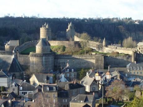 Ch%C3%A2teau de Foug%C3%A8res 460x345 La impresionante fortaleza de Fougères