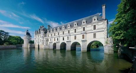 Chateau de Chenonceau1 460x247 Castillos sobre el agua