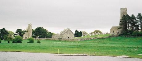 Clonmacnois 460x200 El conjunto monástico de Clonmacnoise