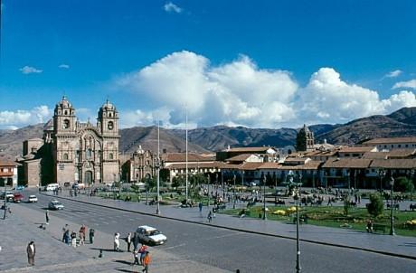 Cuzco Plaza de Armas 460x302 Cusco, la ciudad monumental del Perú