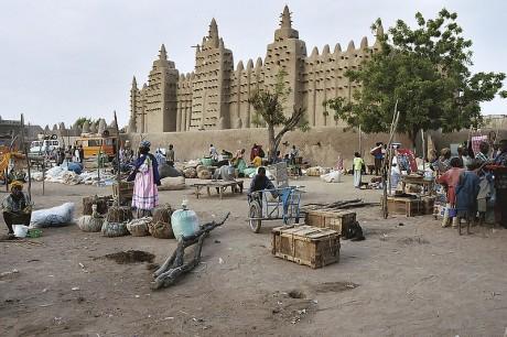 Djenné 460x306 La Gran Mezquita de Djenné, impresionante construcción en adobe
